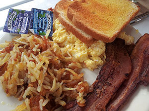Eggs, bacon, hashbrowns at Fisherman's Cove Resort.