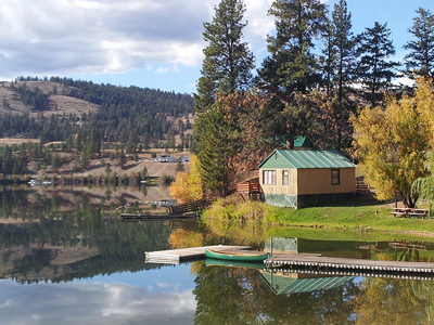 Fisherman's Cove Resort - cabin and dock.