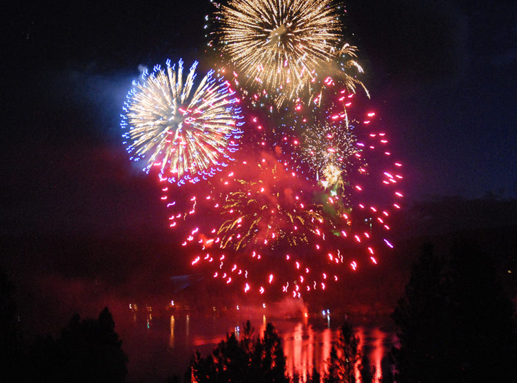 Fourth of July fireworks on Curlew Lake.